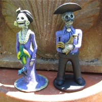 1 Set of 2 Day of The Dead Figurines 6
